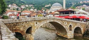 Kosova'da bayrağımız niçin çiğnenir?