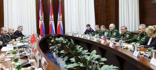 Rusya Savunma Bakanlğı basın danışmanı, Bakan Şoygu'nun Akar, Fidan ile görüşmelerin fotoğraflarını yayınladı