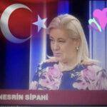 Nesrin Kıratlı: Kendini  Türk aydını  zannedenlerin pek çoğu  torunlarıyla, çocuklarıyla  Türkçe KONUŞMUYOR..