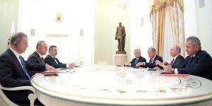 Çavuşoğlu'dan Putin'e: Erdoğan sizi İstanbul'a bekliyor. Balıkçı restoranına gitme konusunda anlaşmanız var