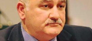 Arif Hacılı: İlham Əliyev bilməlidirResulzade zamanında Bakıda, Xankəndidə hərbi paradlar keçirildi
