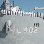 Türk savaş gemisi Bayraktar, Rusya'nın Karadeniz kıyısı Novorossiysk limanında dostluk sembolü tuz ve ekmekle karşılandı