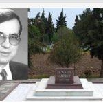 YANAĞINDAKİ GÜLÜ HİÇ SOLMAYAN DOKTOR  Doktor Sadık Ahmet…