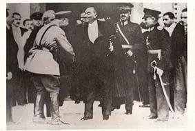 Sovyet istihbarat başkanı: İngiltere, bize karşı Türkiye'yi tahrik etmek için milyonlar harcıyor