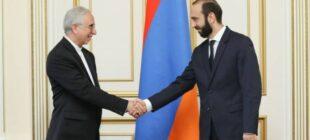 Ermenistan Meclis Başkanı İran Büyükelçisi ile görüştü