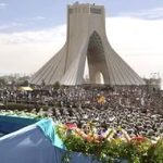 İran ekonomisinin yüzde 80'i ordu ve dini vakıfların elinde