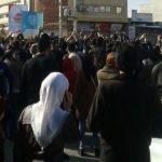 İran Devrim Muhafızları'ndan protestoculara uyarı