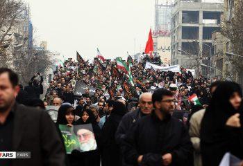 İran'da akaryakıt zammı protestolarının arkasındaki birikmiş krizler