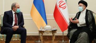 Paşinyan Tahranda Reisi ile görüştü